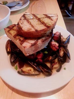 Mussels white wine Black Hogg, Silverlake Ca yelp reviews